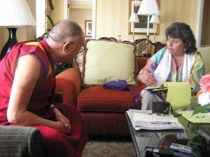 Dalai-lama-and-Edie-P10100901-2