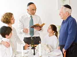 A family celebrating shabbat