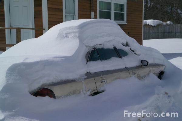 16_02_1---Snow-covered-automobile-car--New-Hampshire--USA_web.jpg