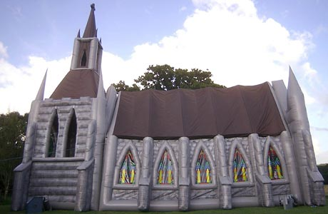 inflatable-church-4_786434c.jpg