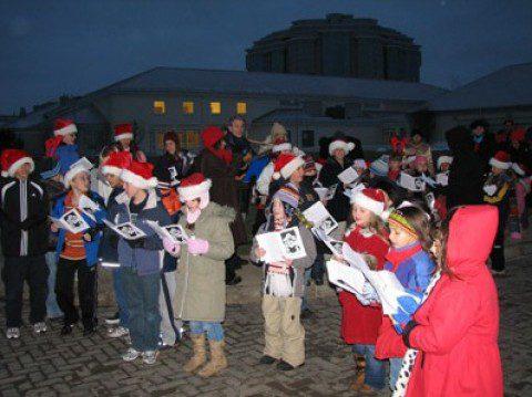 Christmas Caroling Meets Flash Mobbing Beliefnet