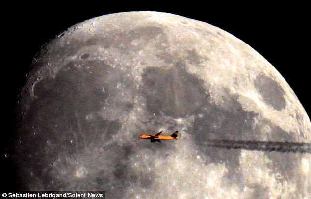 Looks Like Plane is Flying Around the Moon!