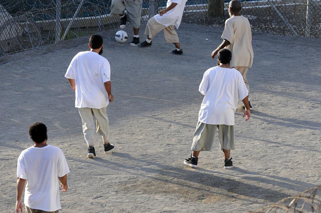 guantanamo-detainees-soccer