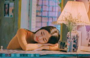 girl-3704998_1920