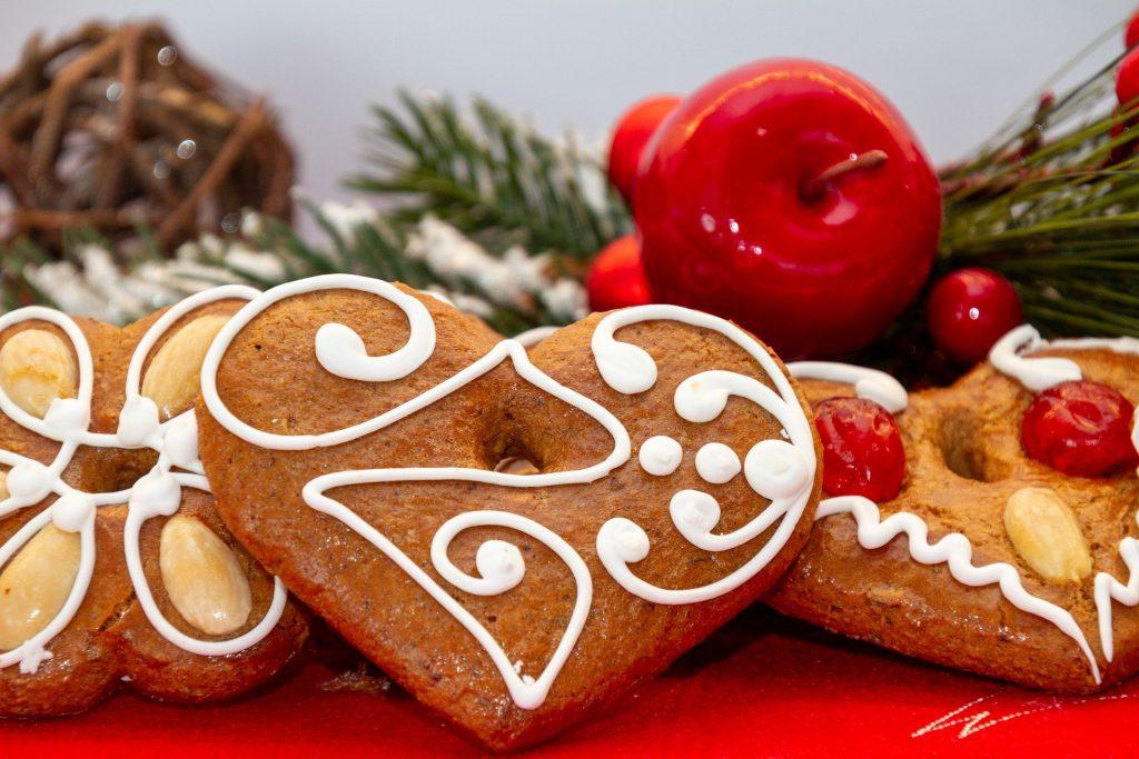 gingerbread-4676903_1920
