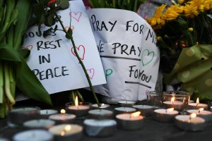 epa05984816 Tributes at a vigil for the people who lost their lives during the Manchester terror attack in central Manchester, Britain, 23 May 2017. Photo Credit: EPA/ANDY RAIN