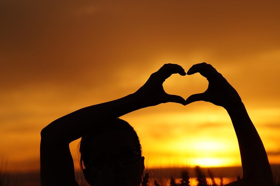 https://pixabay.com/en/love-family-heart-parent-826934/