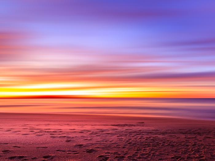 Sunset_over_an_Australian_Beach_(Unsplash)