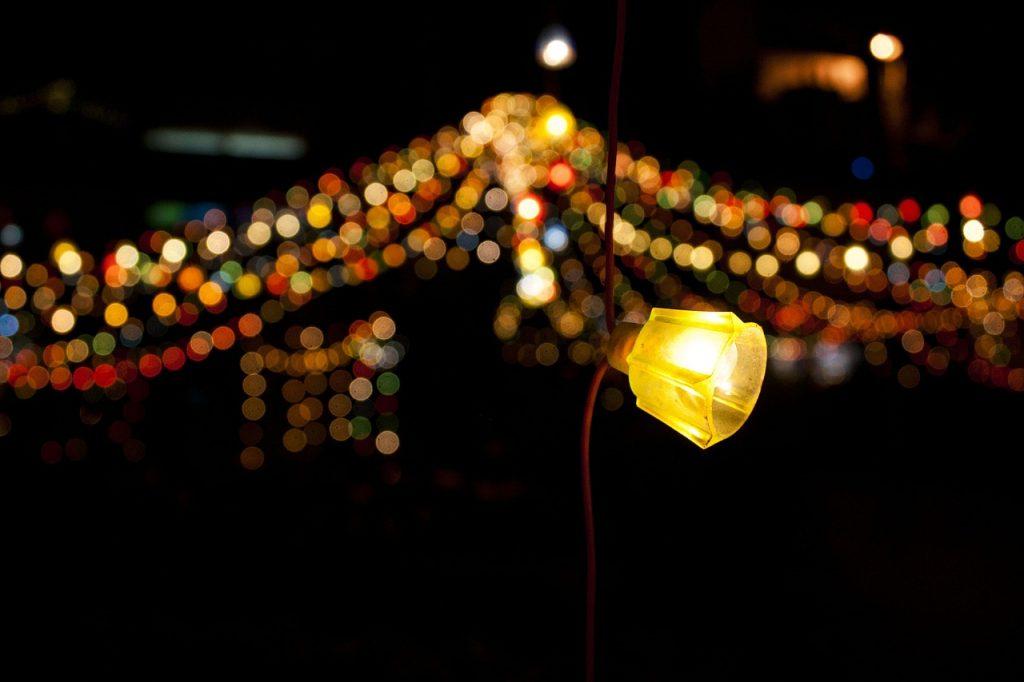https://pixabay.com/th/photos/แสง-โบเก้-พื้นหลัง-นามธรรม-105284/