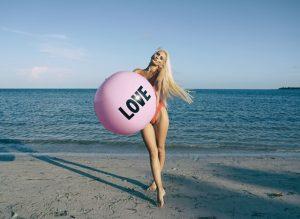ball-beach-blond-hair-1362480