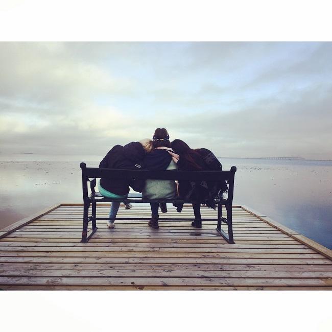 bench-chair-friends-friendship-288583