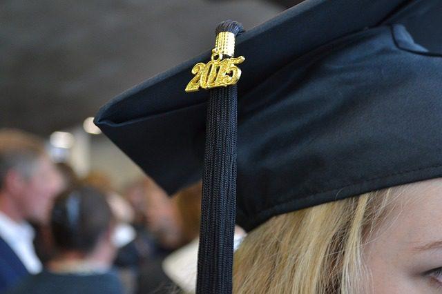 square-academic-cap-999418_640