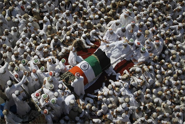 Syedna Mohammed Burhanuddin's RA janaza procession, with the casket draped with the Indian Flag, surrounded by thousands of his beloved followers and accompanied by his successor, Syedna Mufaddal Saifuddin TUS