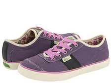 Thumbnail image for purpleshoes.jpg