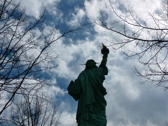 statue-of-liberty-back-8.jpg