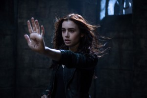 Lily-Collins-as-Clary-Fray-1024x682
