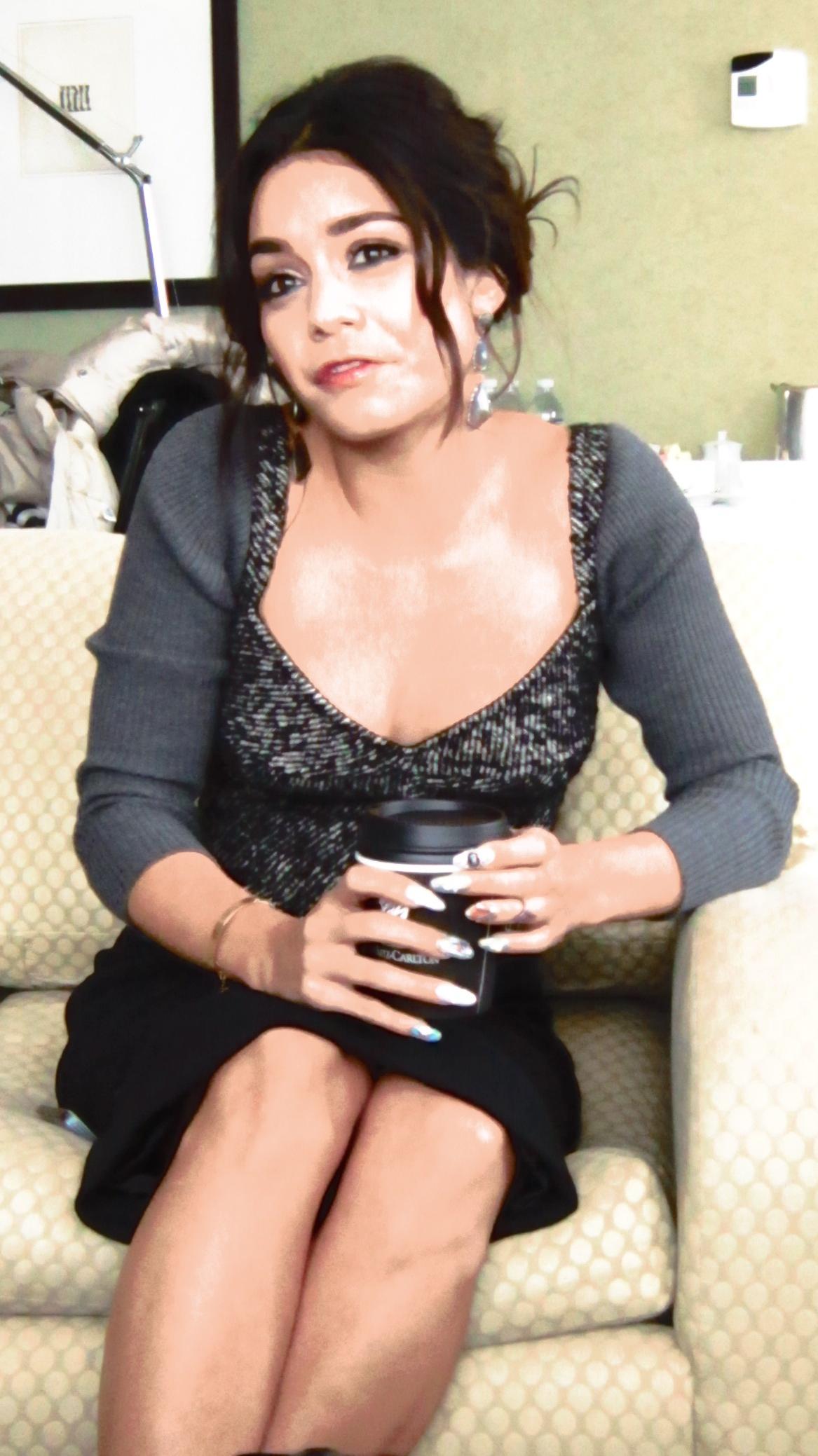 Vannesa Hudgens Pregnant 81
