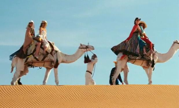 Sex-And-The-City-2-Camels.jpg